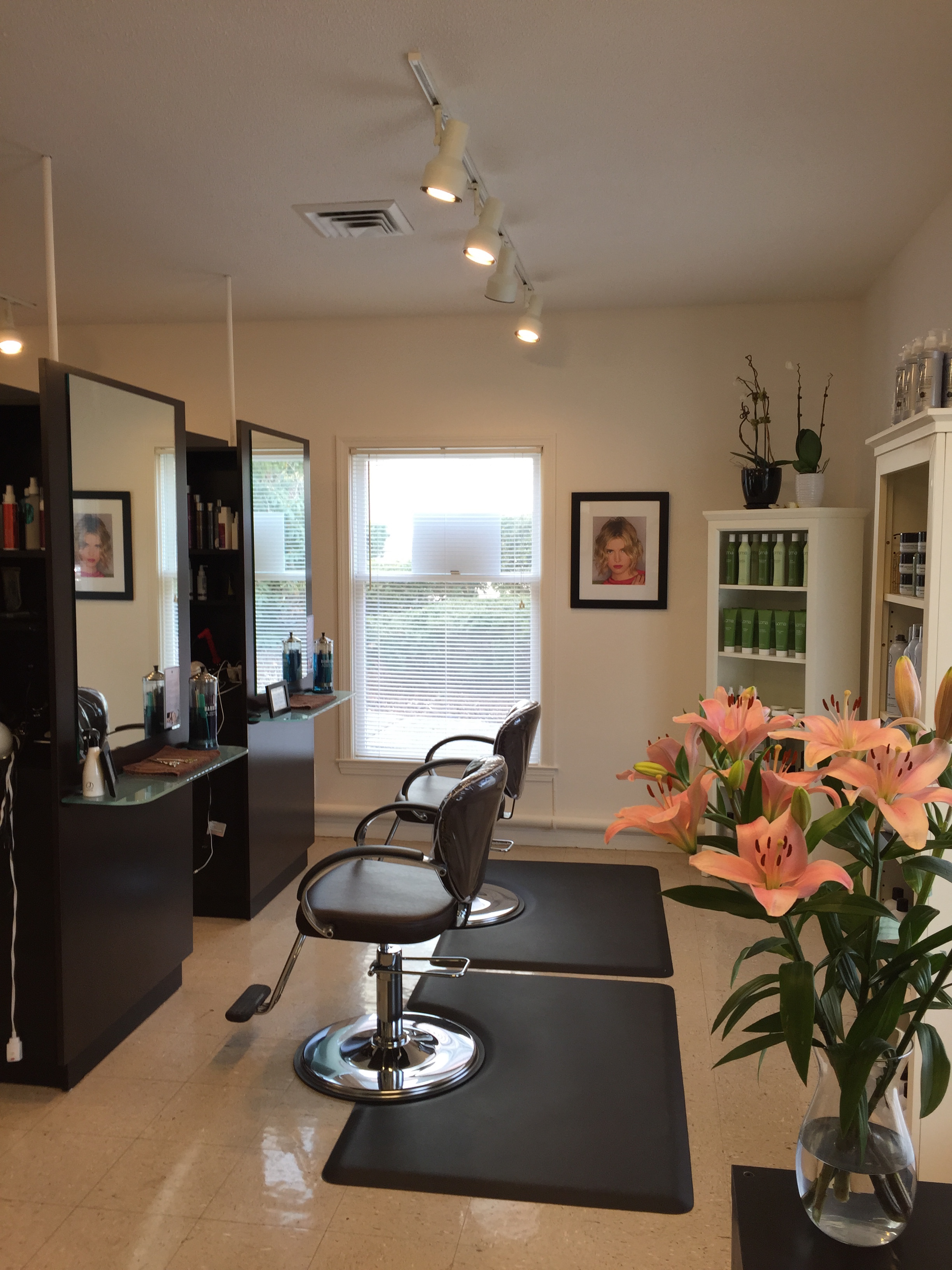 Photo of Inside of Clippers Hair Salon Guilford CT